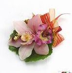 y04胸花