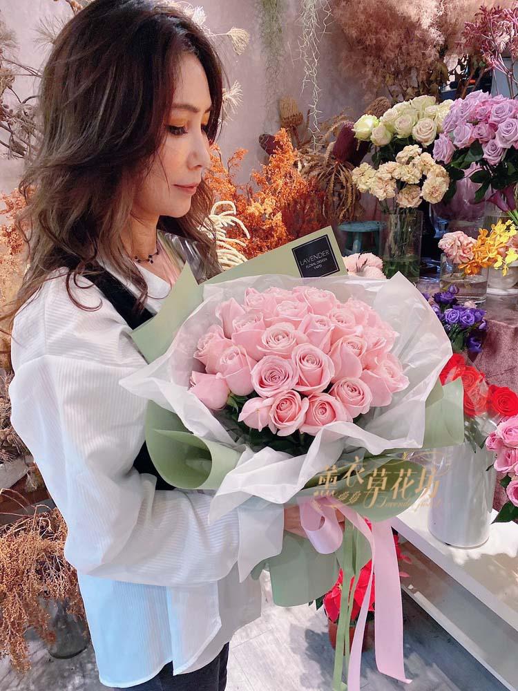 33朵玫瑰花束設計108112318