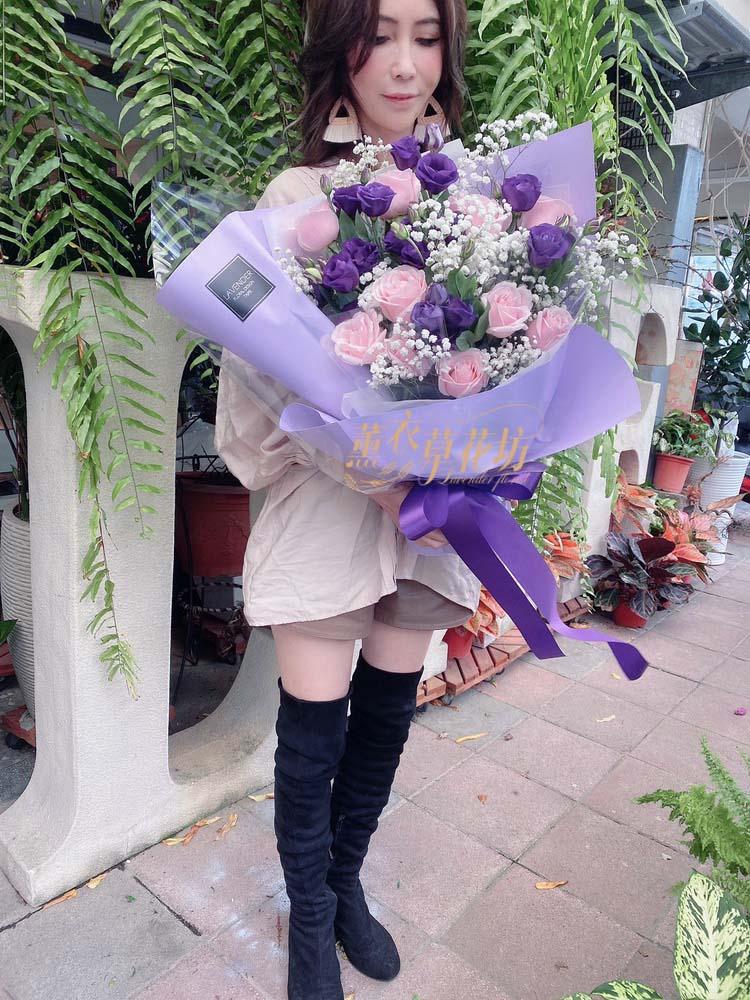 玫瑰桔梗花束設計 108032711