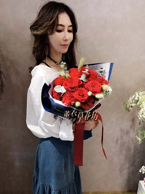 玫瑰&康乃馨花束 108041403