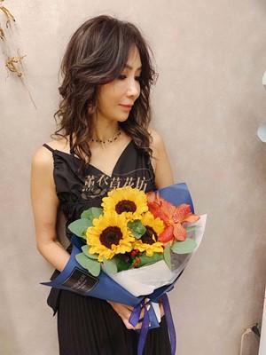 向日葵小品花束設計~預定免運108060903