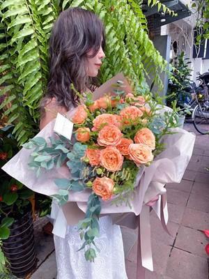 荷蘭進口~杏花庭園玫瑰花束108072031